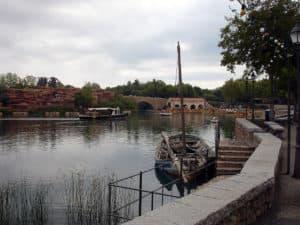 1024px-port_aventura_-_zona_mediterranea_puerto