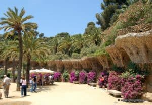 barcelona-park-guell-retaining-wall-2961
