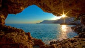 world_france_rocky_shore_on_the_cote_d_azur_france_071930_